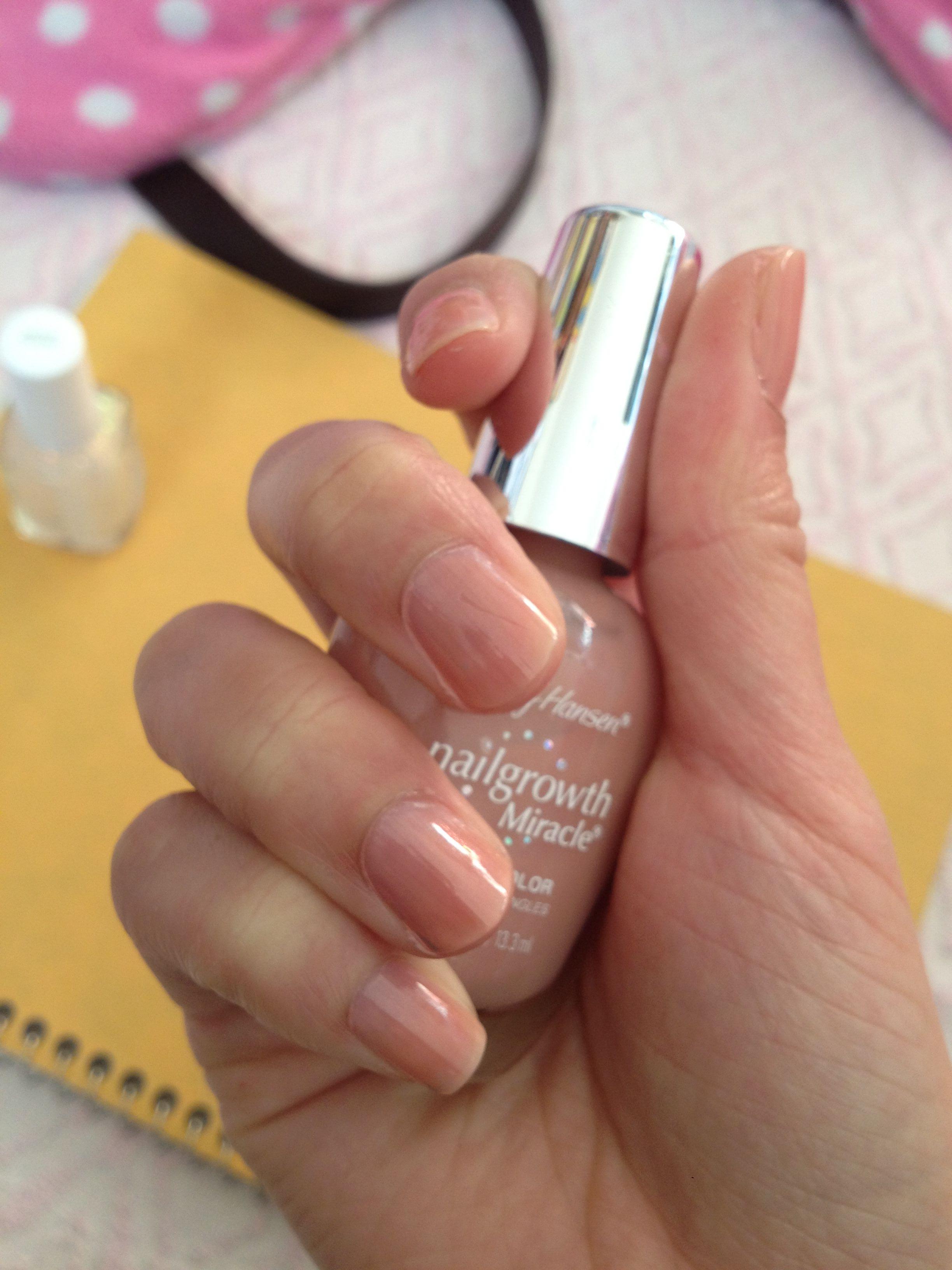 Natural Nails: Nail Polish Of The Day: Sally Hansen Nurturing Natural