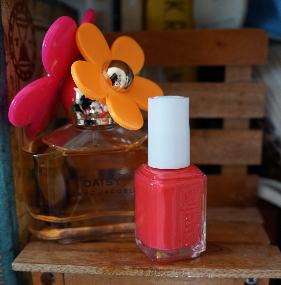 Nail Polish of the Summer: Essie's 2013 Resort Collection Come Here - Macarons and Mischief